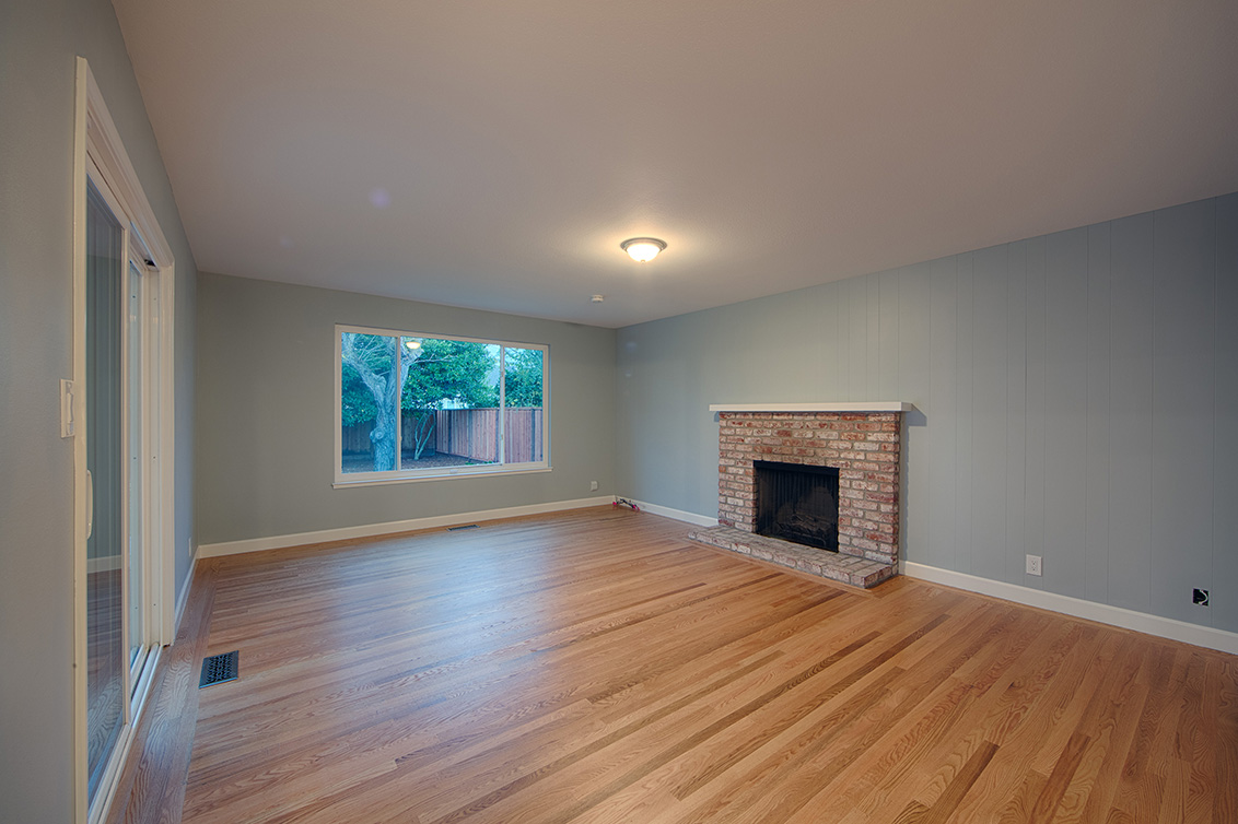 Family Room (A) - 1855 Fordham Way