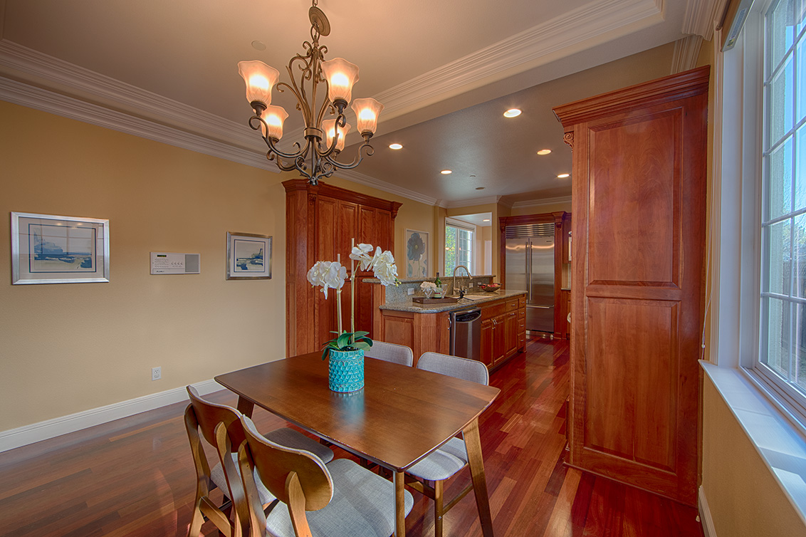 Breakfast Area (C) - 1569 Glen Una Ct