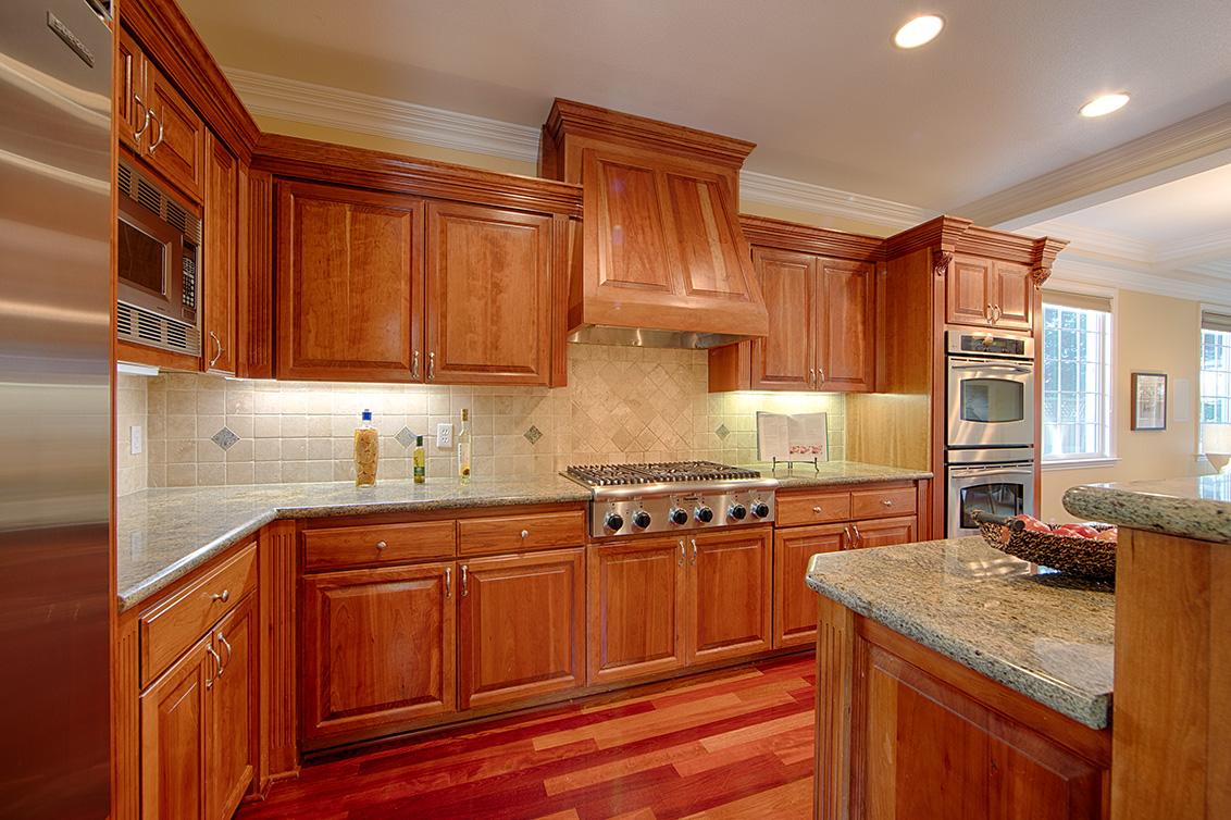 Kitchen (A) - 1569 Glen Una Ct