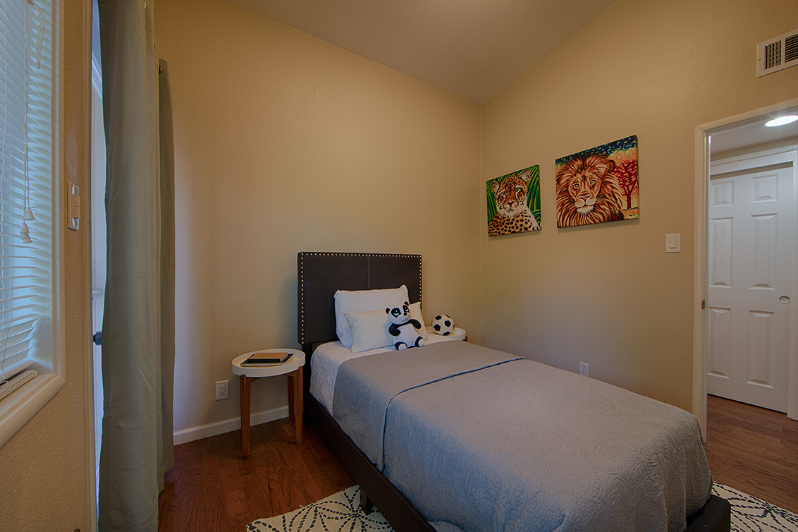 Bedroom 2 (D) - 2774 Gonzaga St