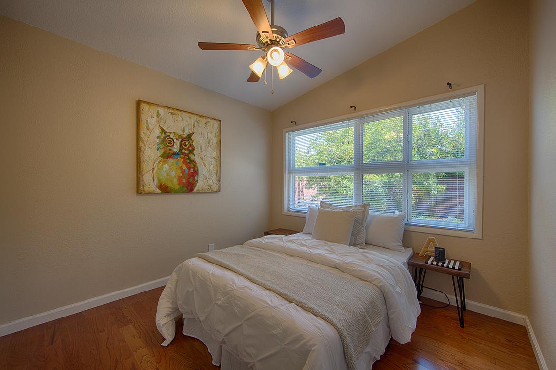 Bedroom 3 (A) - 2774 Gonzaga St