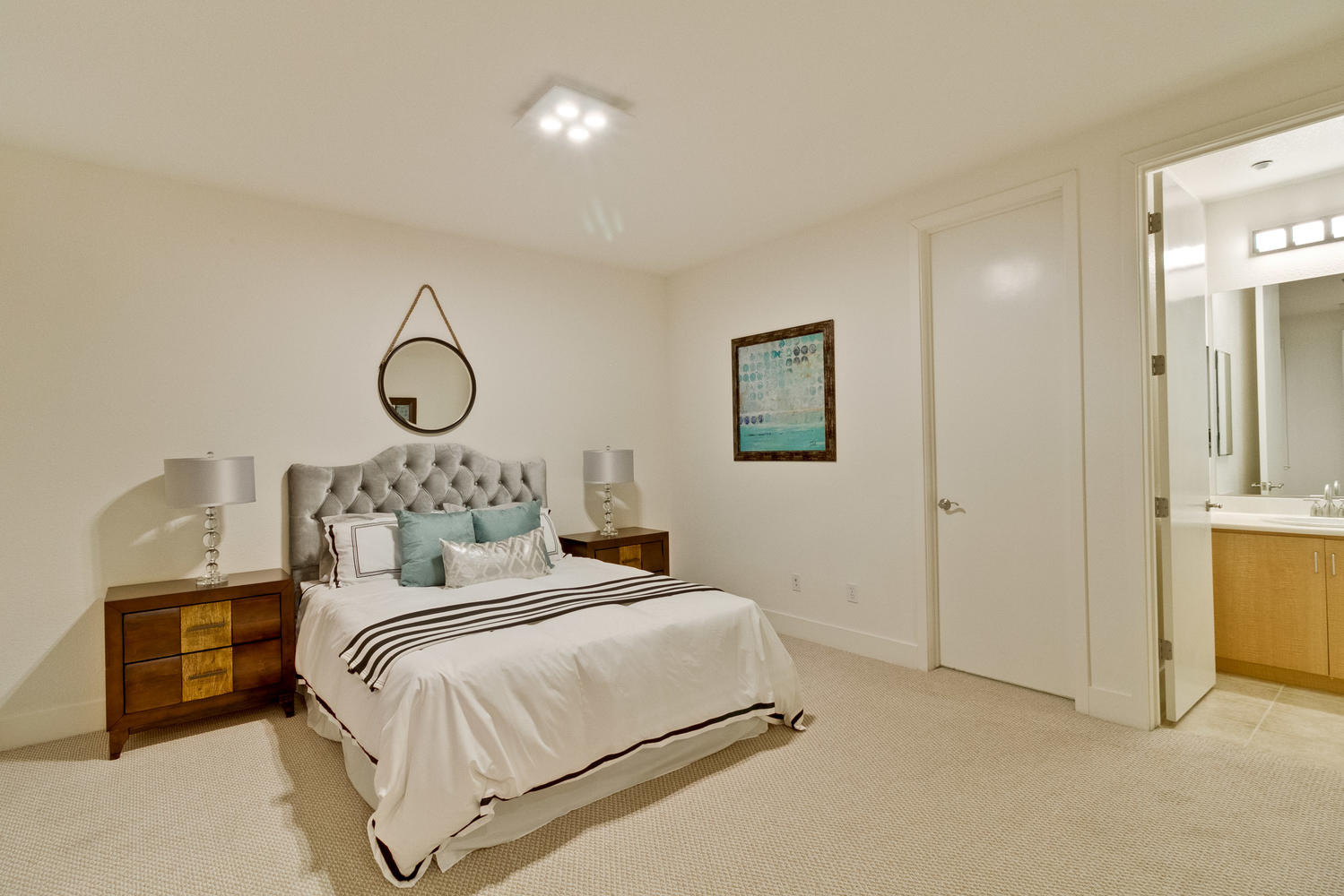 Bedroom 040