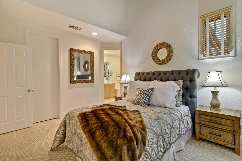 Master Bedroom 029