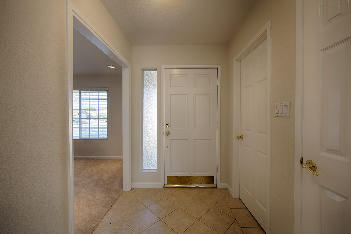 Entrance (A) - 6505 Kona Ct