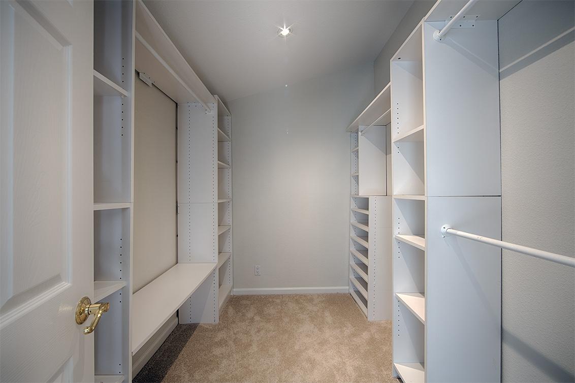 Master Closet (A)