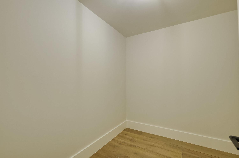 Bonus Master Bedroom Closet