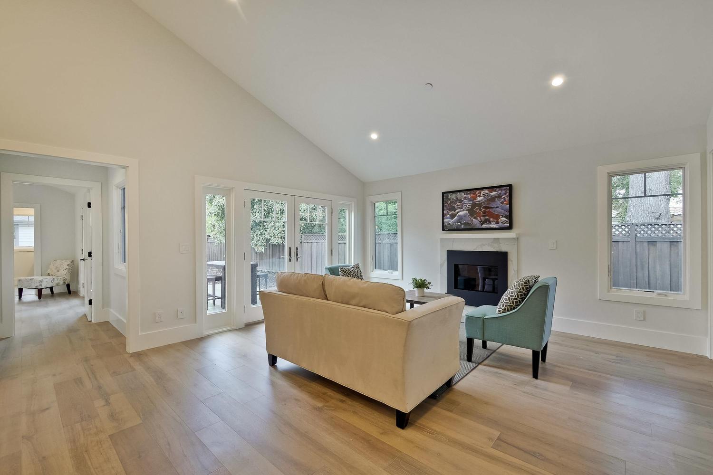 Family Room 2  - 407 Laurel Ave