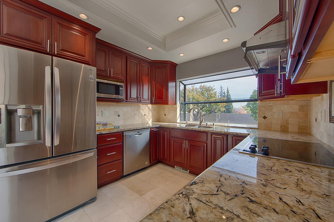Kitchen (B) - 21025 Lauretta Dr