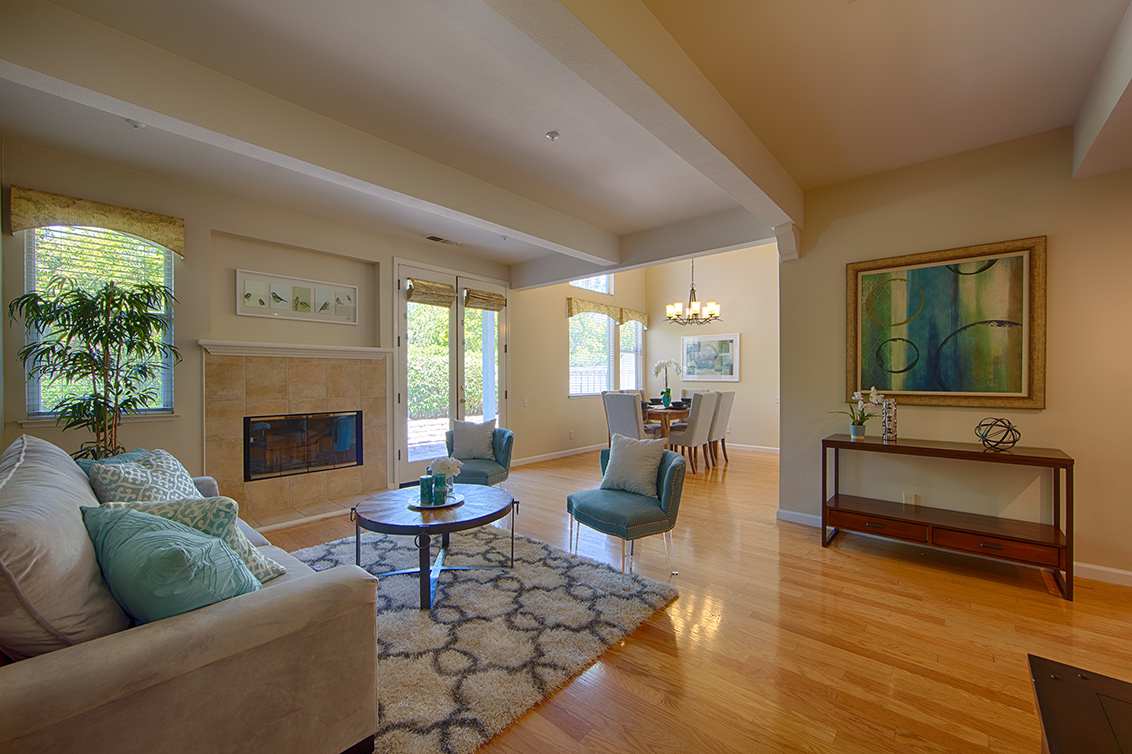Living Room (E) - 104 Mendocino Way