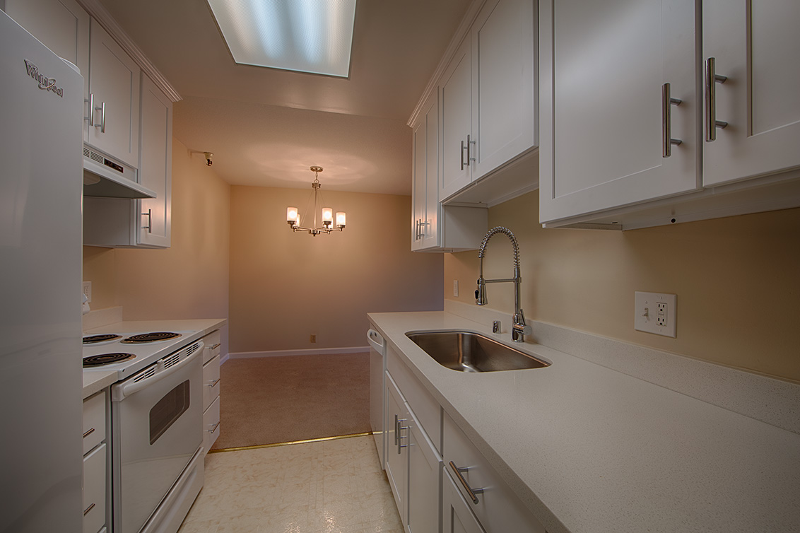 Kitchen (A) - 400 Ortega Ave 208