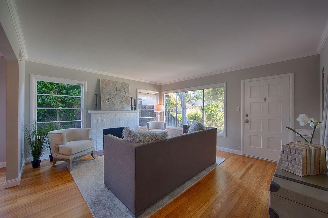 Living Room (B) - 660 Palo Alto Ave