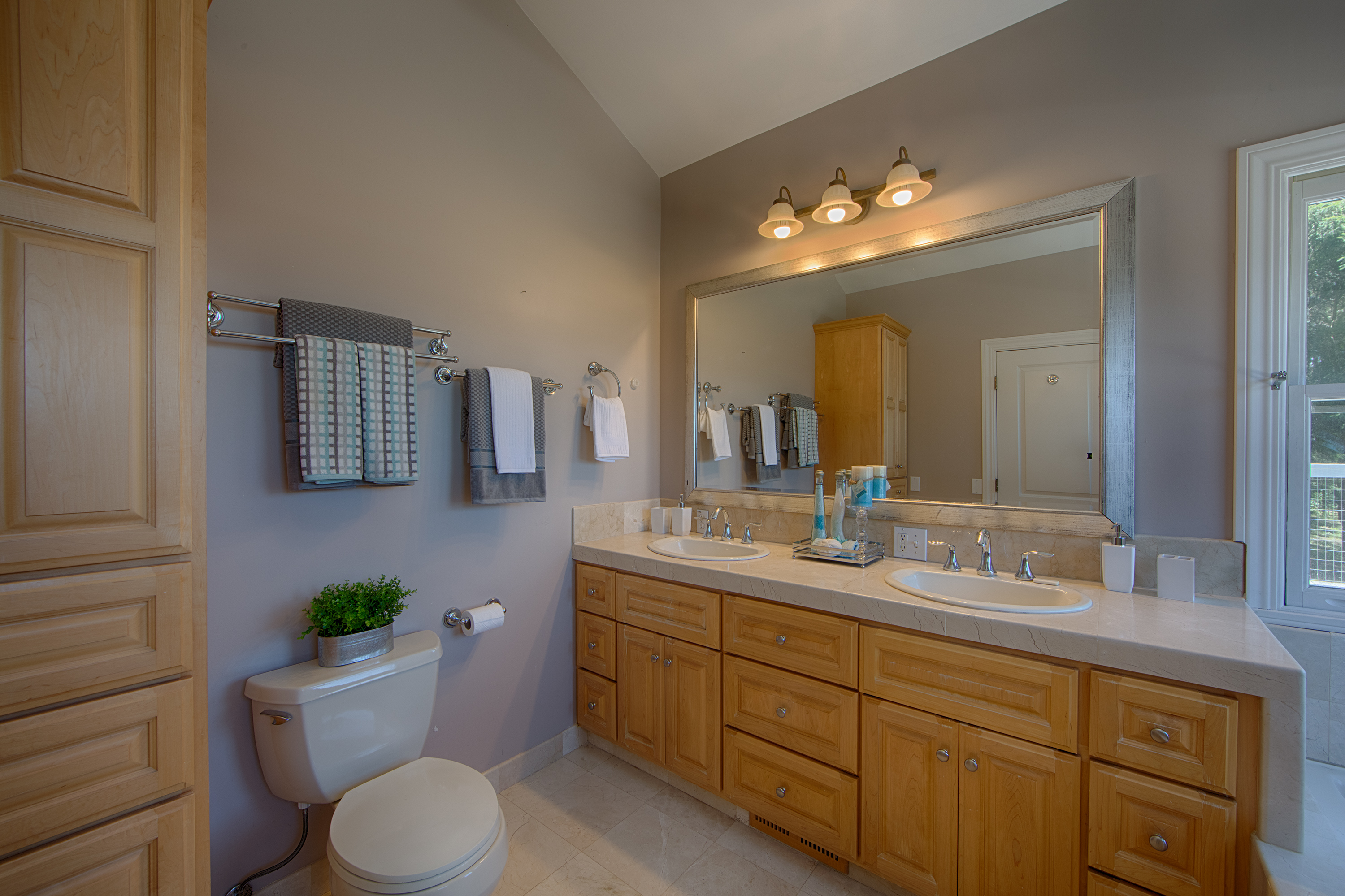 1 Quail Ct, Woodside 94062 - Master Bath (A)