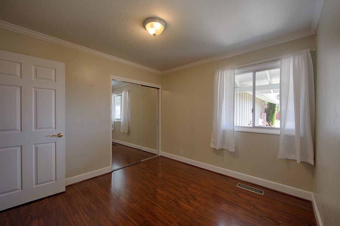 Bedroom 3 (B) - 1105 Ridgewood Dr