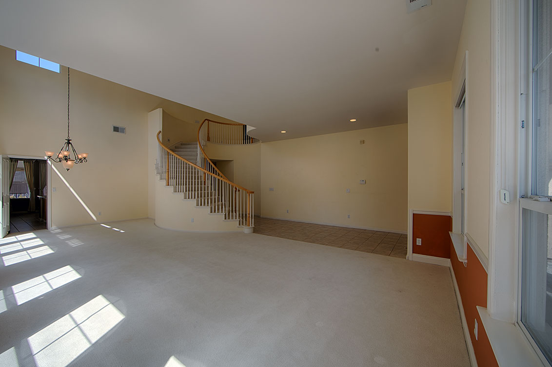 Living Room (C) - 4267 Ruby Ave