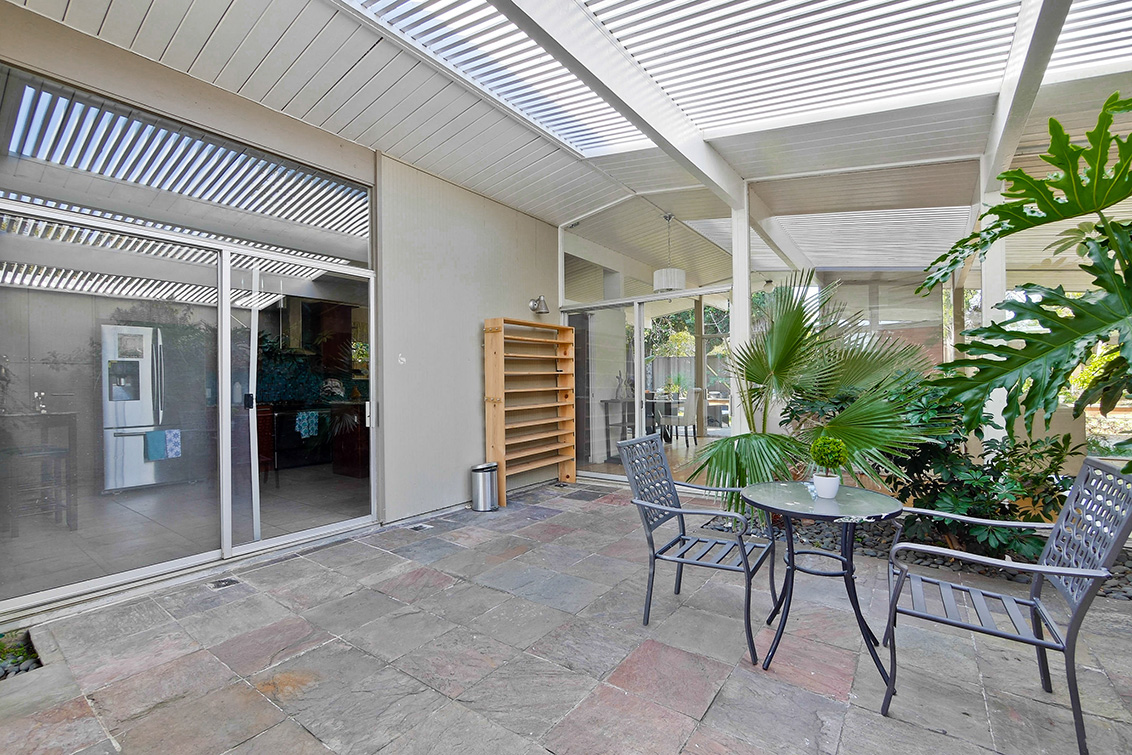 Courtyard (C)