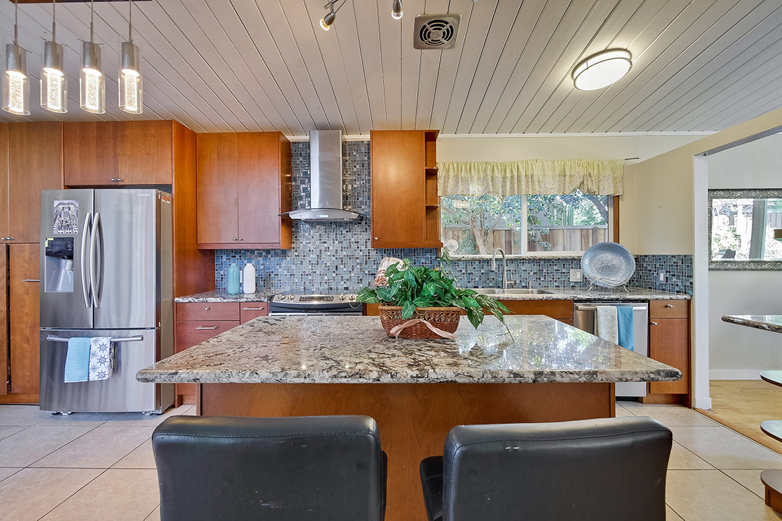 Kitchen (F)