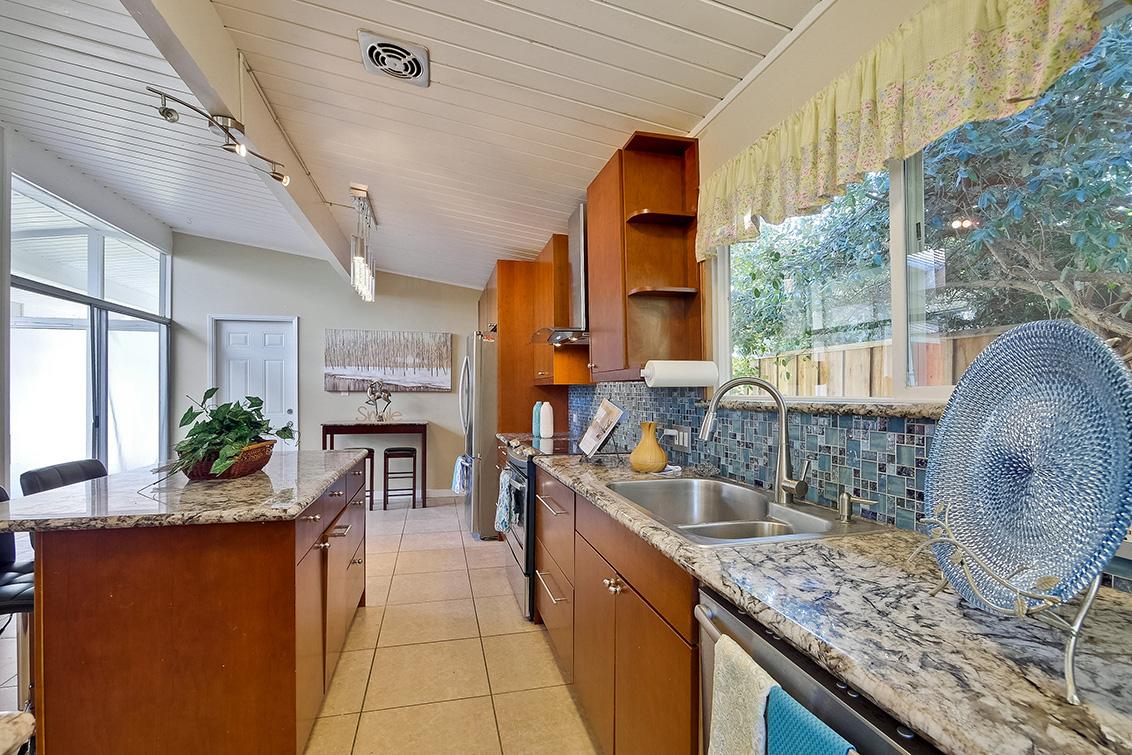 Kitchen (I)