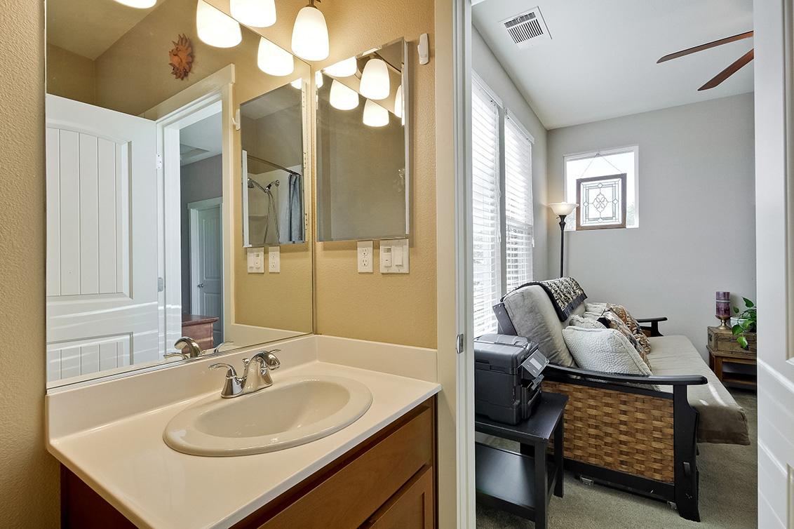 Bathroom 2 (D) - 2552 Saffron Way