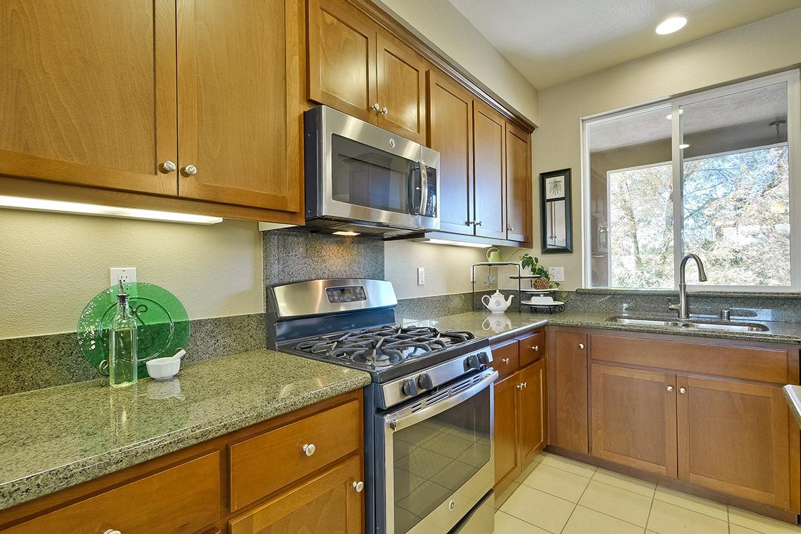 Kitchen (E) - 2552 Saffron Way