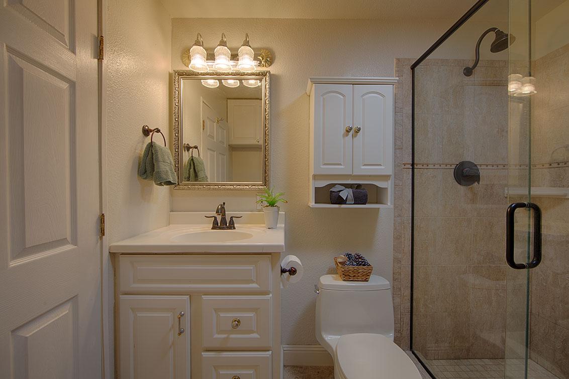 Bathroom 2 (A) - 20599 Scofield Dr