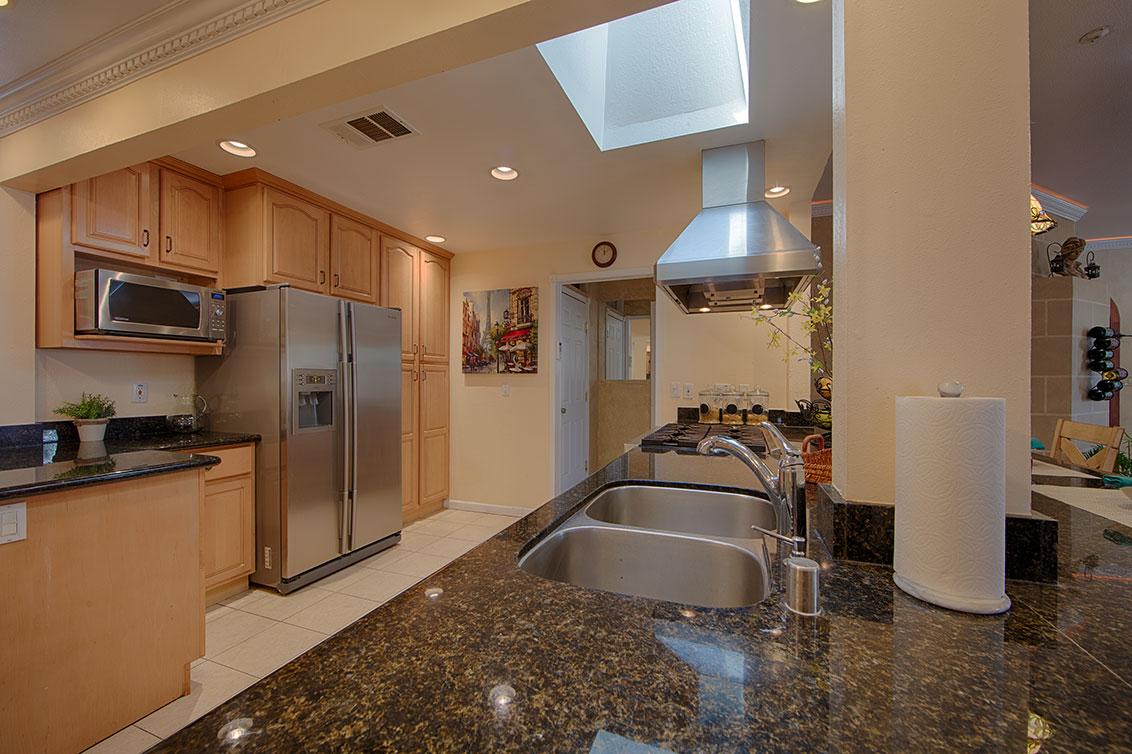 Kitchen (B) - 20599 Scofield Dr