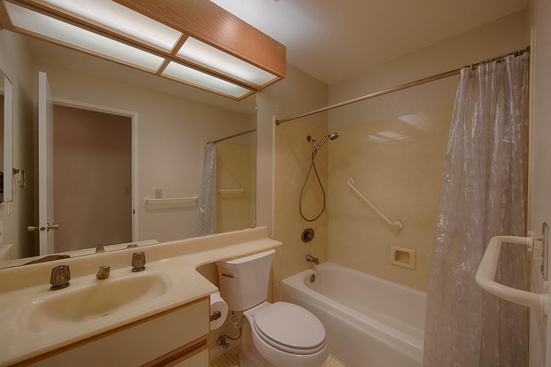 Bathroom 2 (A) - 800 Sea Spray Ln 211