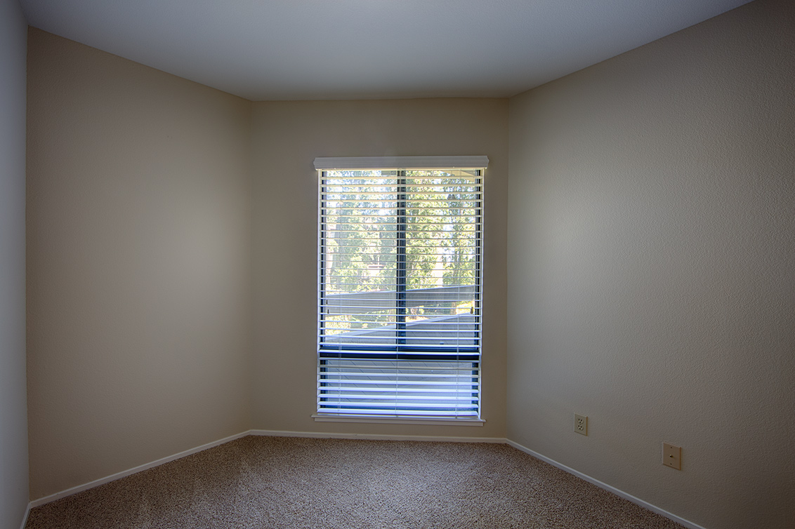 Master Bedroom (D) - 800 Sea Spray Ln 211