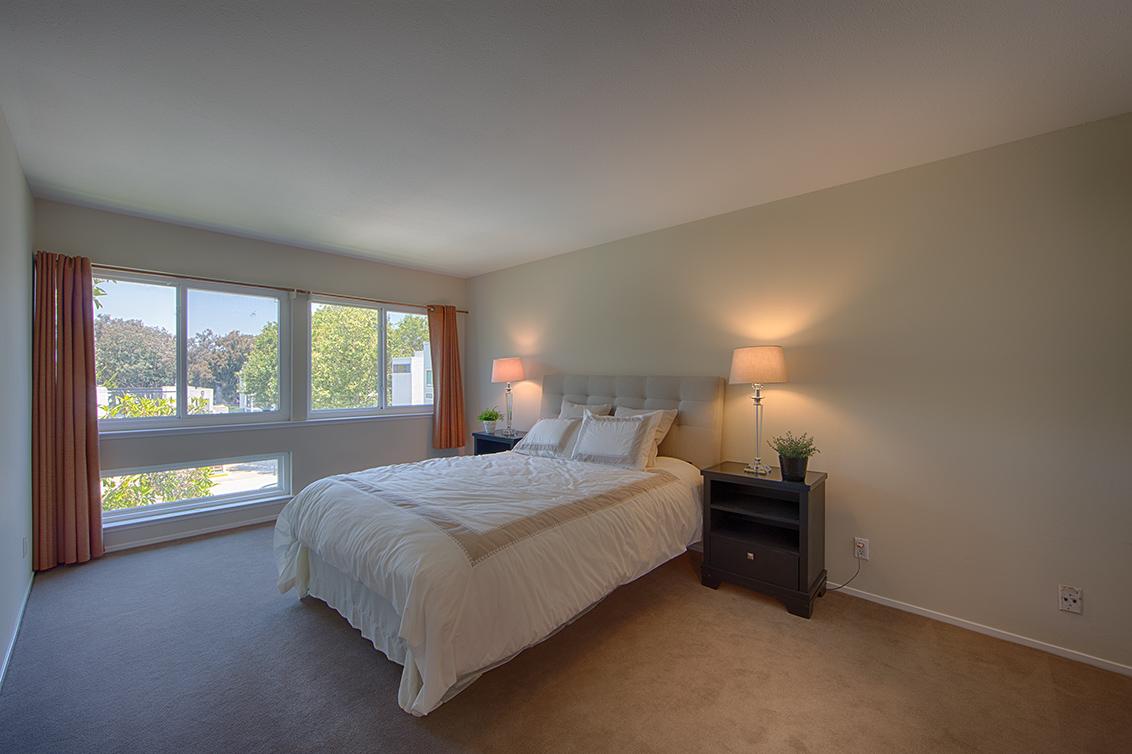 Master Bedroom (A) - 1083 Shell Blvd 9