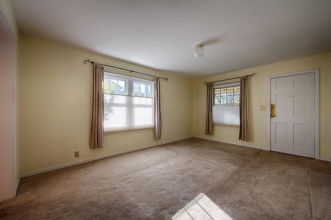 Living Room (B) - 718 15th Ave