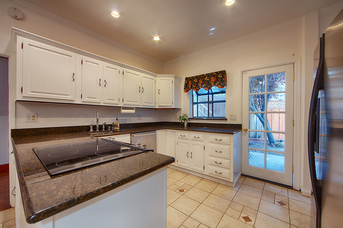 Kitchen (A) - 2055 Alameda Way