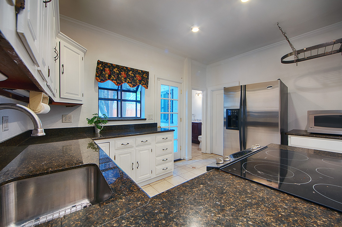 Kitchen (D) - 2055 Alameda Way