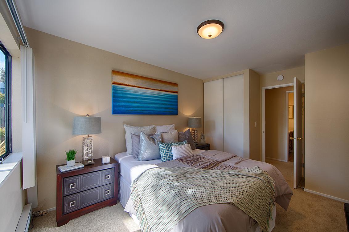 Bedroom 2 (D) - 910 Beach Park Blvd 100