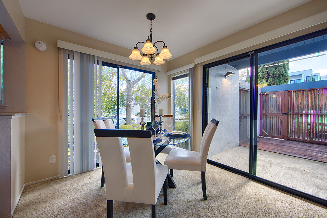Dining Room (B) - 910 Beach Park Blvd 100