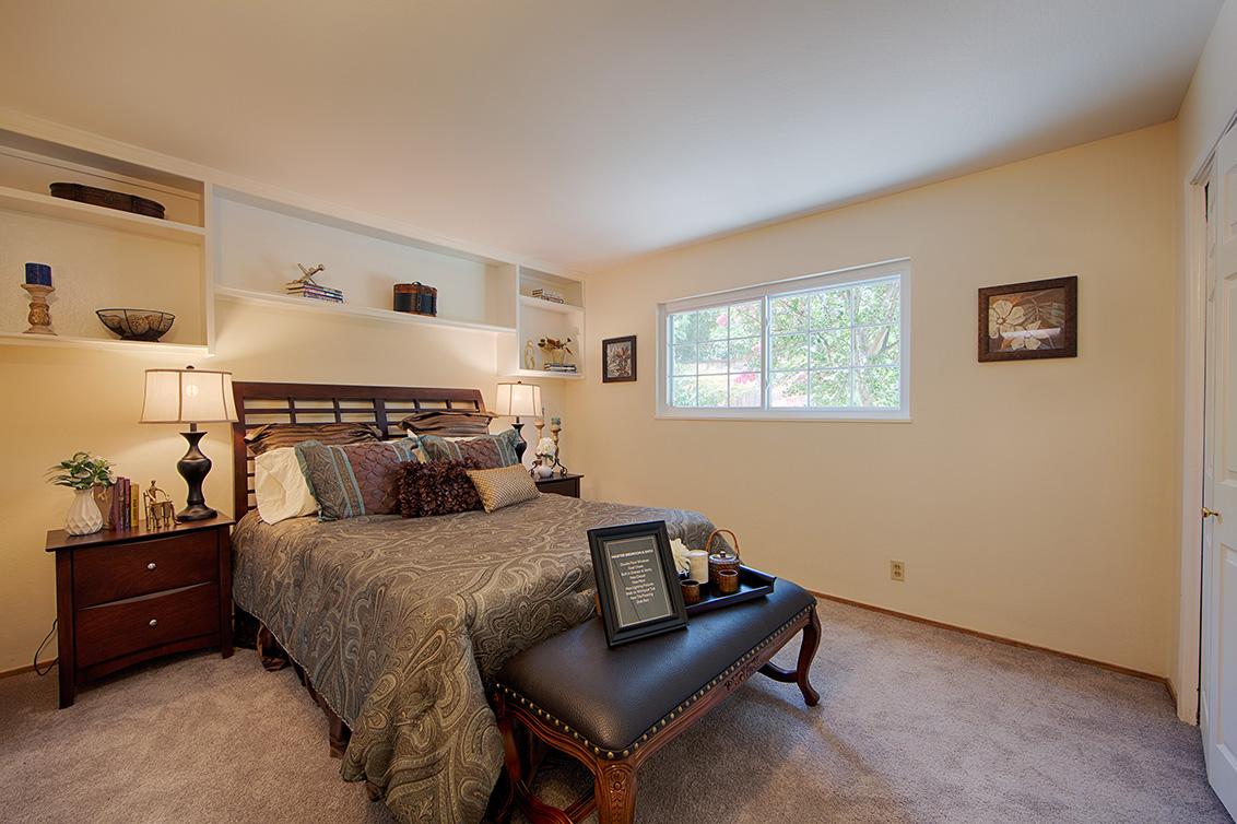 Master Bedroom (A) - 105 Belglen Way