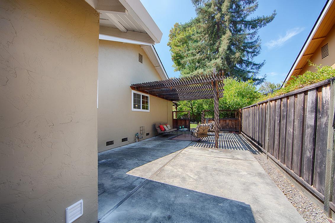 Sideyard (A)