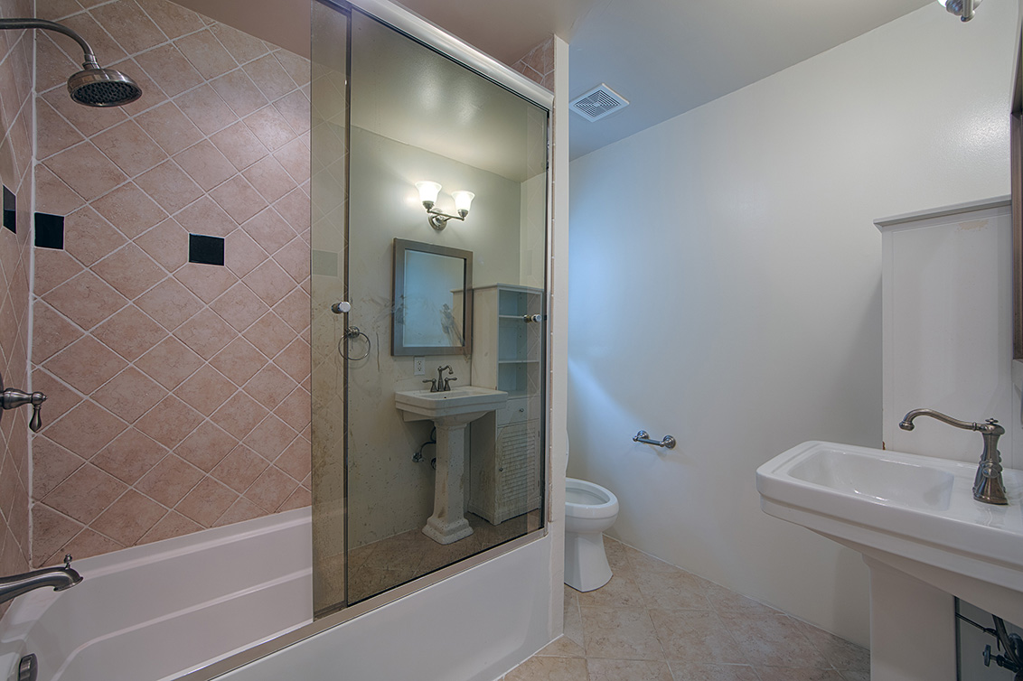 Bathroom 2 (A) - 6239 Castillon Dr