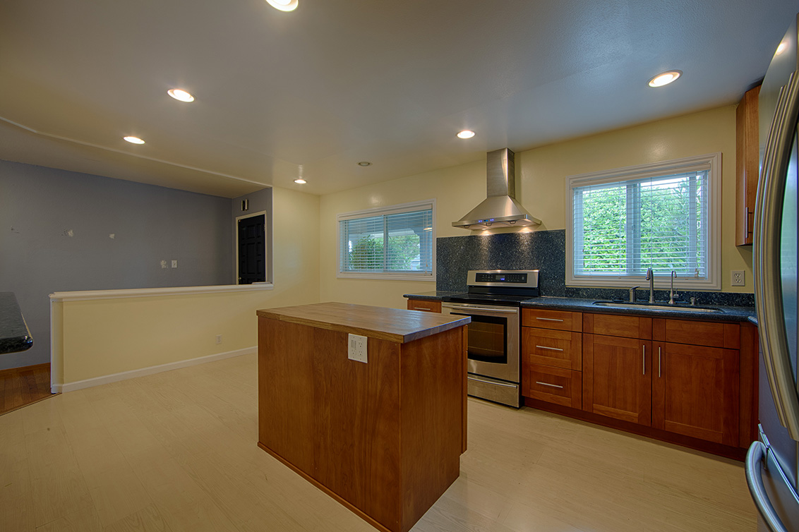 Kitchen (C) - 6239 Castillon Dr