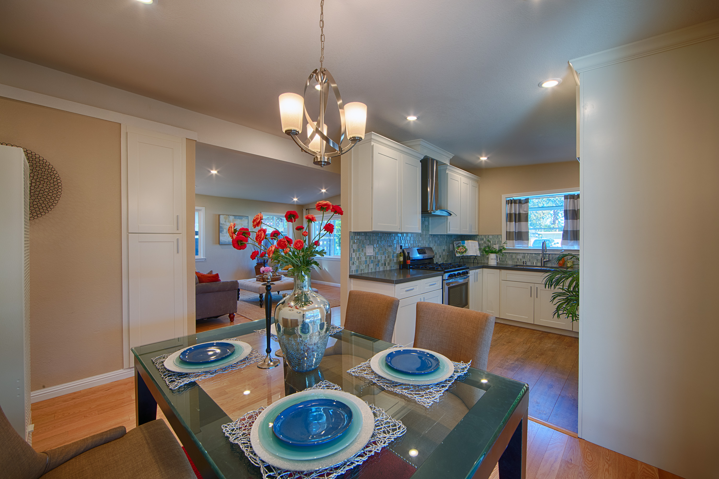 566 Cypress Ave, Sunnyvale 94085 - Dining Room (C)