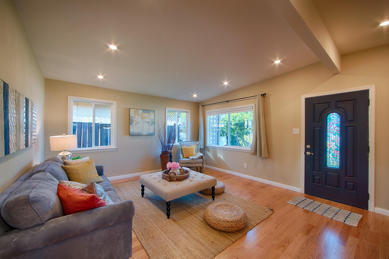 566 Cypress Ave, Sunnyvale 94085 - Living Room (B)