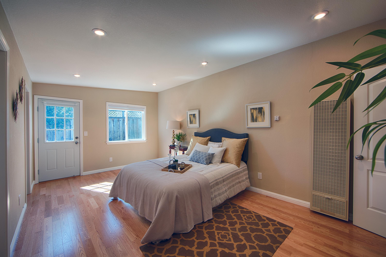 566 Cypress Ave, Sunnyvale 94085 - Master Bedroom (B)