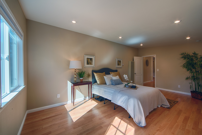 566 Cypress Ave, Sunnyvale 94085 - Master Bedroom (C)