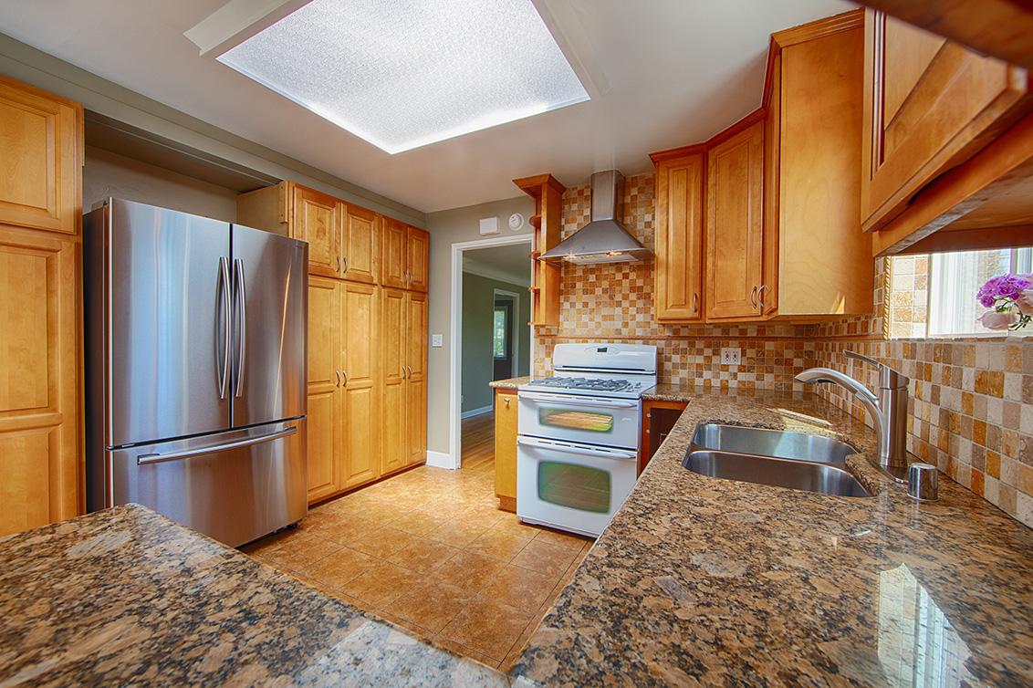 Kitchen (C) - 90 Dexter Ave