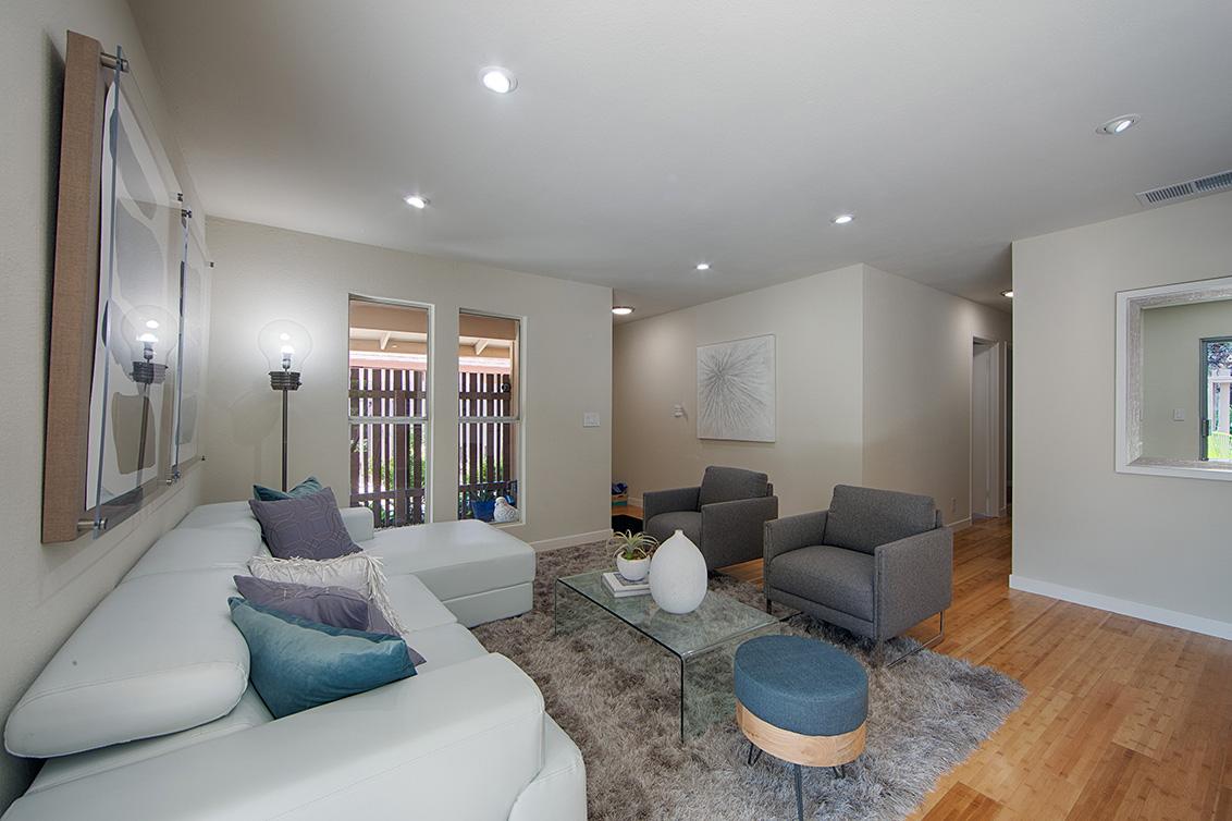 Living Room - 224 E Red Oak Dr L
