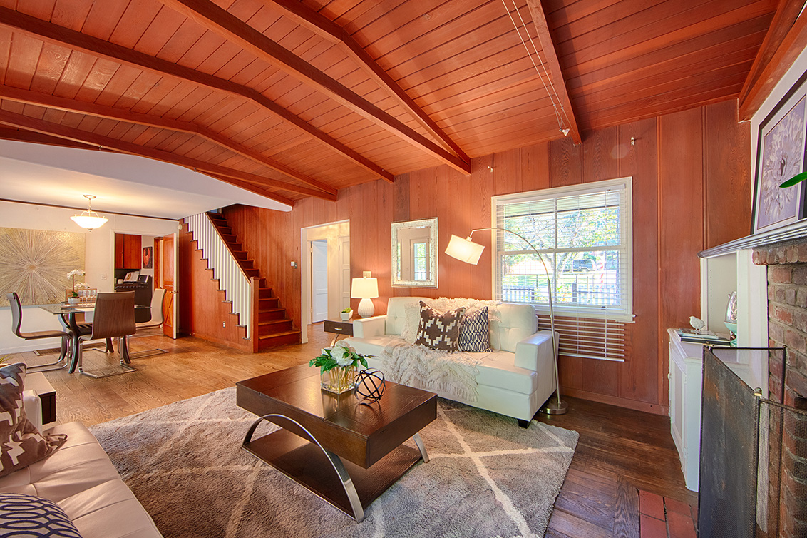 Living Room (C) - 1400 Edgewood Rd
