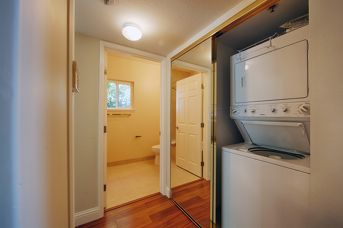 Laundry (A) - 2 Elm St 202