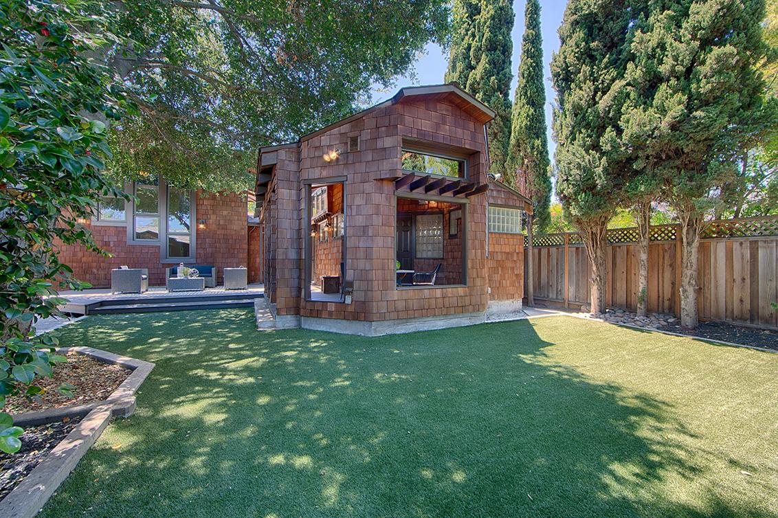 Backyard (A) - 4123 Fair Oaks Ave