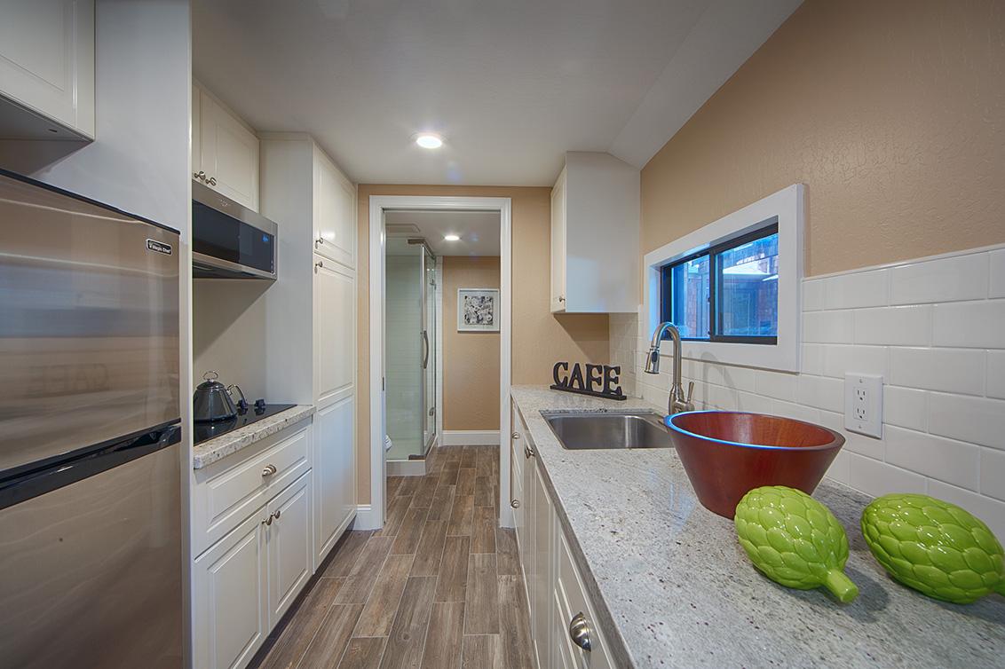 Cottage Kitchen (A) - 4123 Fair Oaks Ave