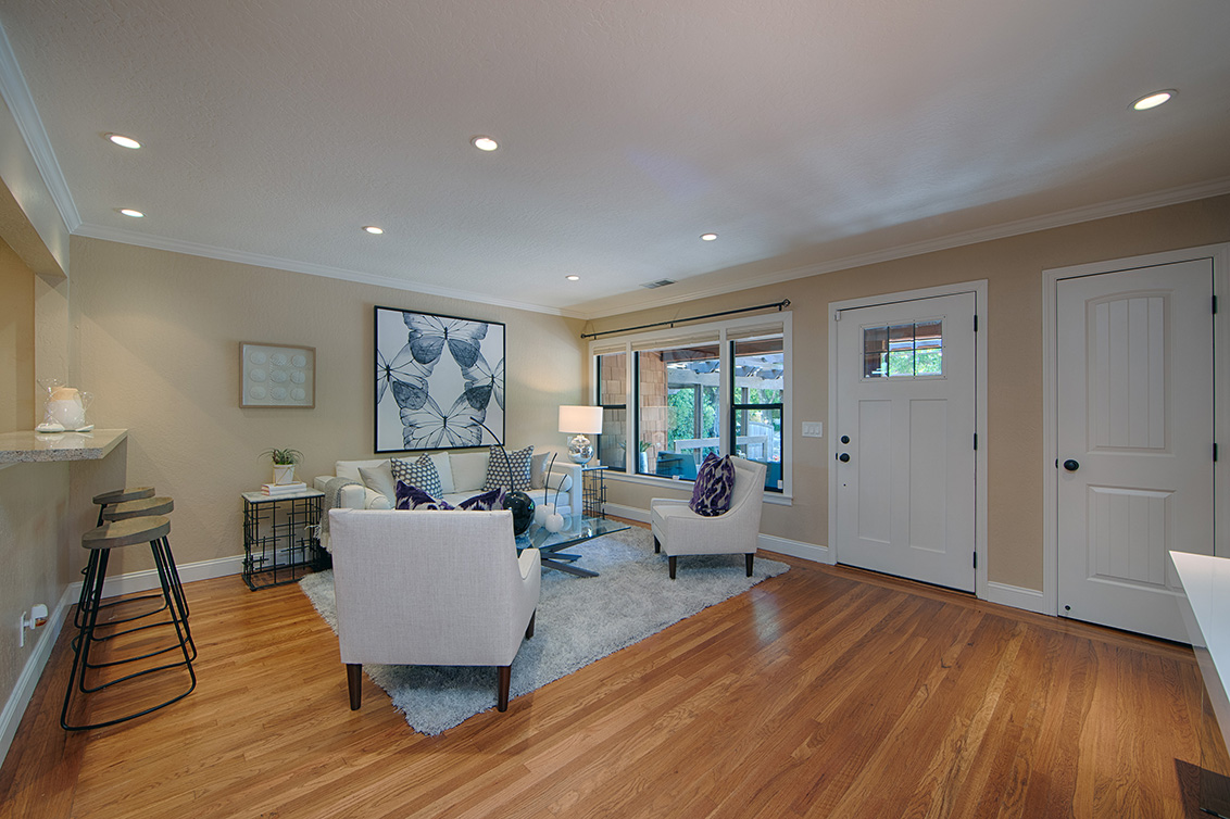 Living Room (B) - 4123 Fair Oaks Ave