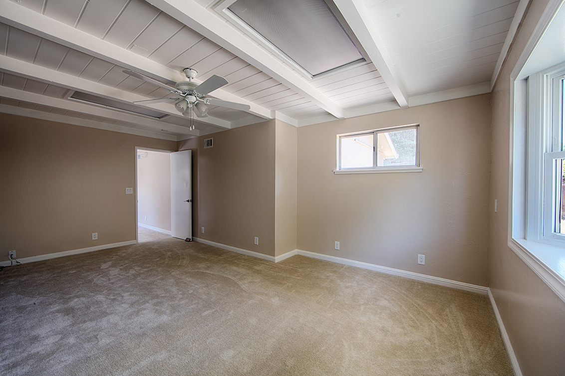 Family Room (C) - 2881 Forbes Ave