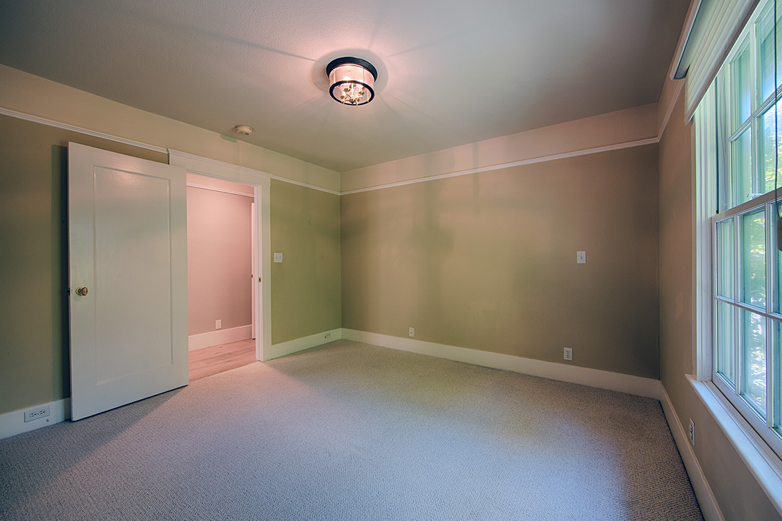 Bedroom 3 (C) - 624 Harvard Ave